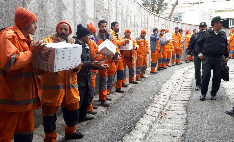 خبرنگاران ارسال تعرفه به صندوق های شعب اخذ رای ریگان در شرق استان کرمان
